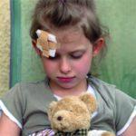 علاج الوقوع على الرأس للأطفال